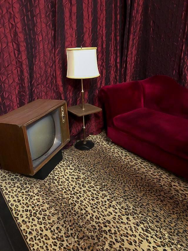 Vintage red living room