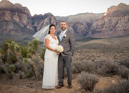 REd Rock wedding by Paul's Vegas Photogr