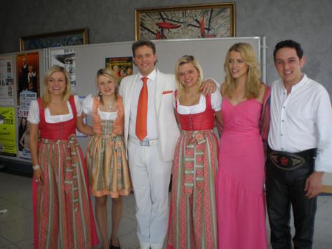 Graziano mit Geschwister Niederbacher und Sonja Weissensteiner