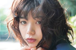 池田エライザが雑誌「OCEANS」に登場!様々なありのままの表情を魅せる!「#TATERUガールズ」に収められた生々しい一面