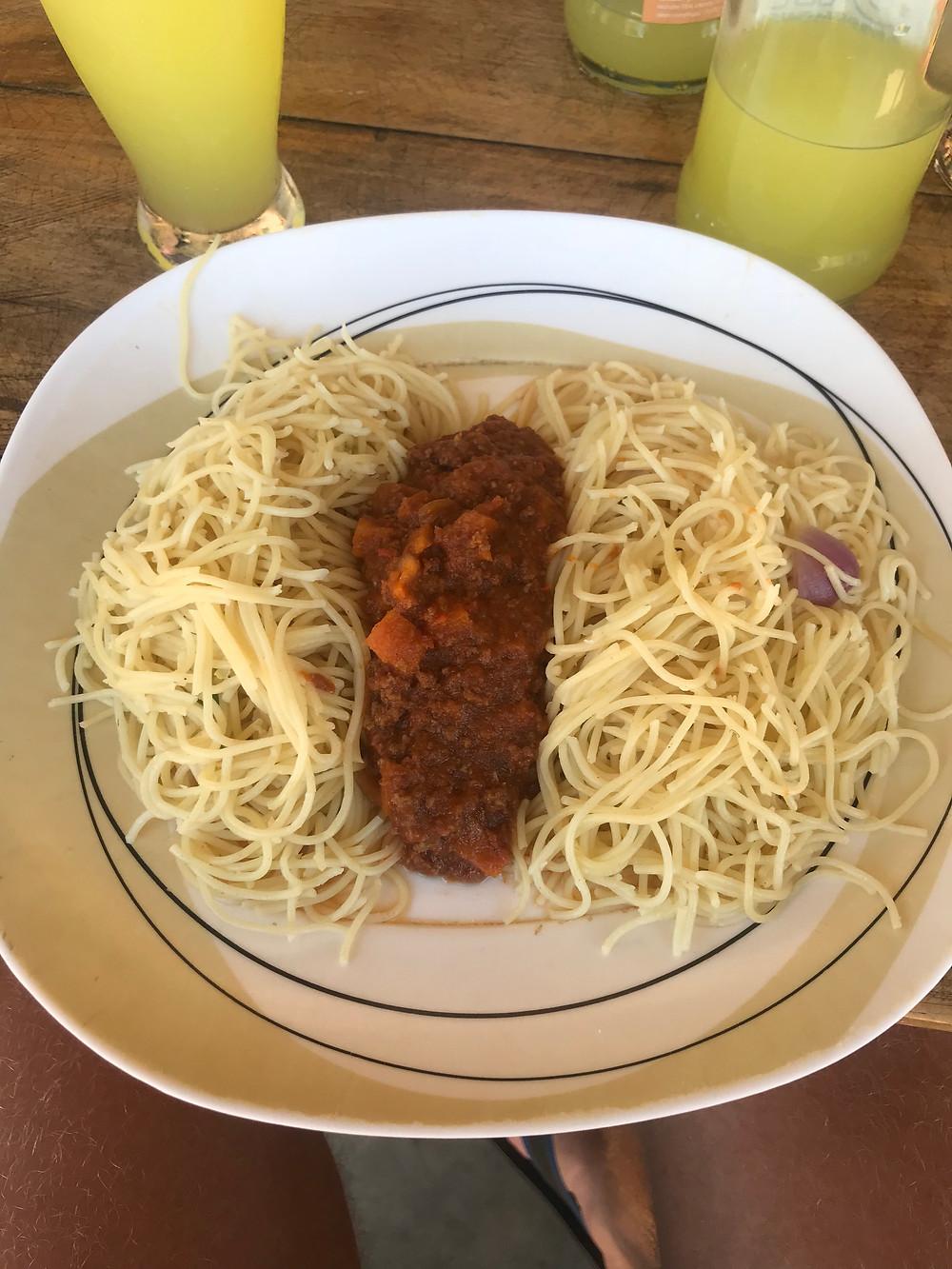 Kansanbistron spagetti bolognese