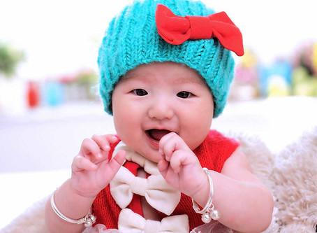 擔心寶寶未來過度依賴奶嘴或吃手?掌握三大階段輕鬆面對