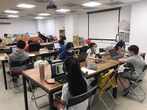 Coding For Fun 快樂學程式體驗館 / 中正區