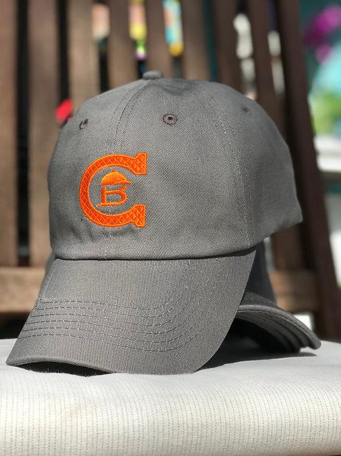Grå caps m/oransje logo