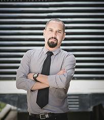 Esteban Guzmán Programación Neurolingüística Be Company