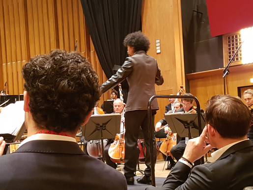 Conducting Diploma Concert with the ORF Radio Symphony Orchestra Vienna. /  Dirigierdiplomkonzert mit dem ORF Radio-Symphonieorchester Wien.