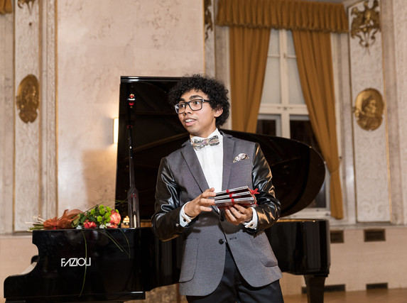 "Presentation of his second CD ""Musician"". /  Präsenation seiner zweiten CD ""Musician""."