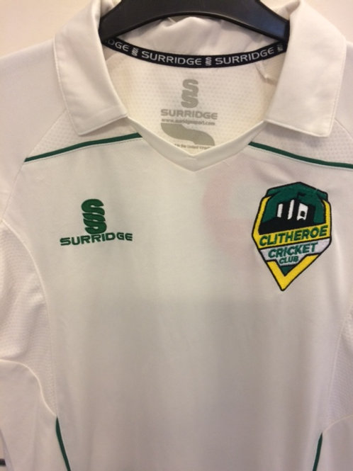 Junior Cricket shirt in large junior size