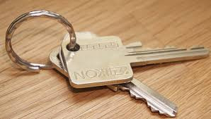 The fact that the tenant did not return the keys did not show a failure to surrender the apartment
