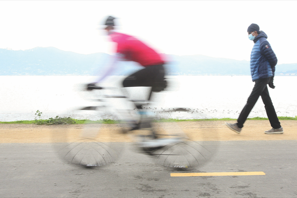 Tiburon police will boost trail patrols after speeding-cyclist complaints