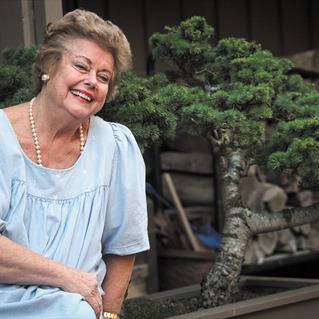 Tiburon's Paula Little sponsored town's hanging flower baskets