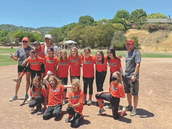 Sports Shout: Tiburon's 10U Hurricanes and 12U Thunder dominate Marin Girls Softball season
