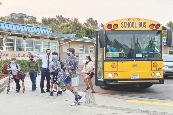 Reed schools keeping outdoor-masking rule