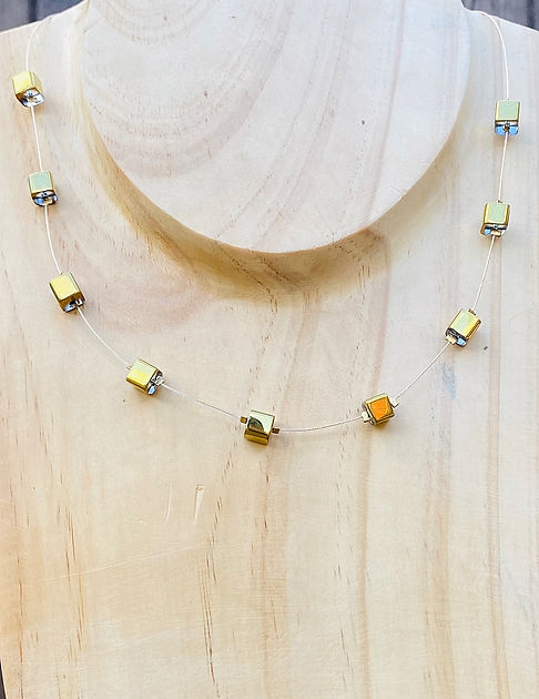 Gold Square Beads Necklace 2.jpg