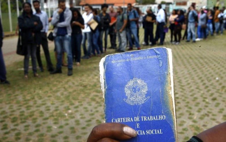 Editorial - Indecisos e abstenções comprovam: O debate deve ser nacional e não municipalista.