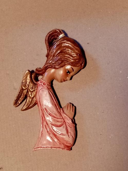 Angelito rezando