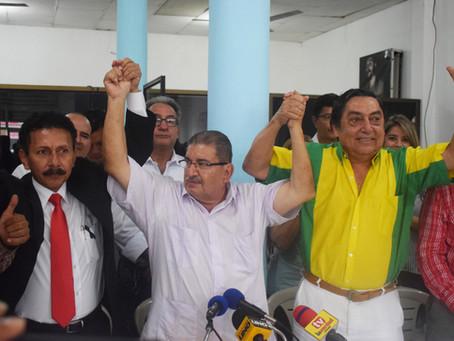 Médico machaleño declina candidatura a alcalde para respaldar a Montgomery Sánchez y José Rosado