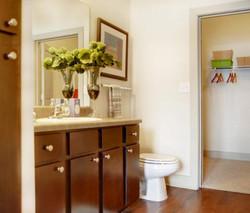 bathroom_closet