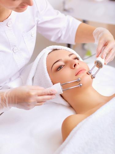 Woman on facial skincare procedure..jpg