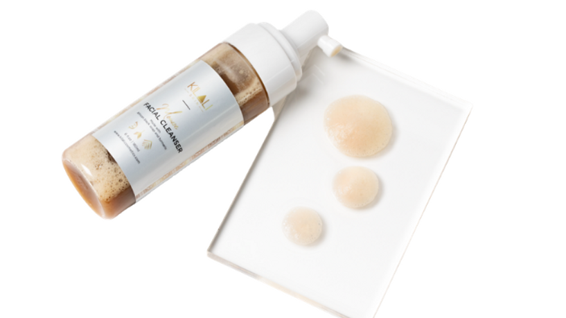 Mousse Facial Cleanser with Turmeric