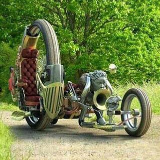 Liberachi's Hog-Custom Futuristic Motorcycle-Story Moto ADV Internet Oddest Motorcycles