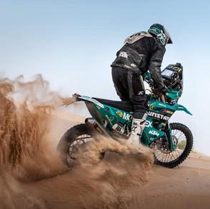 Lyndon Pocket-TREVOR BECKER shares a wonderful photo of a legend to be-Story Moto ADV Odd and Cool Moto photos