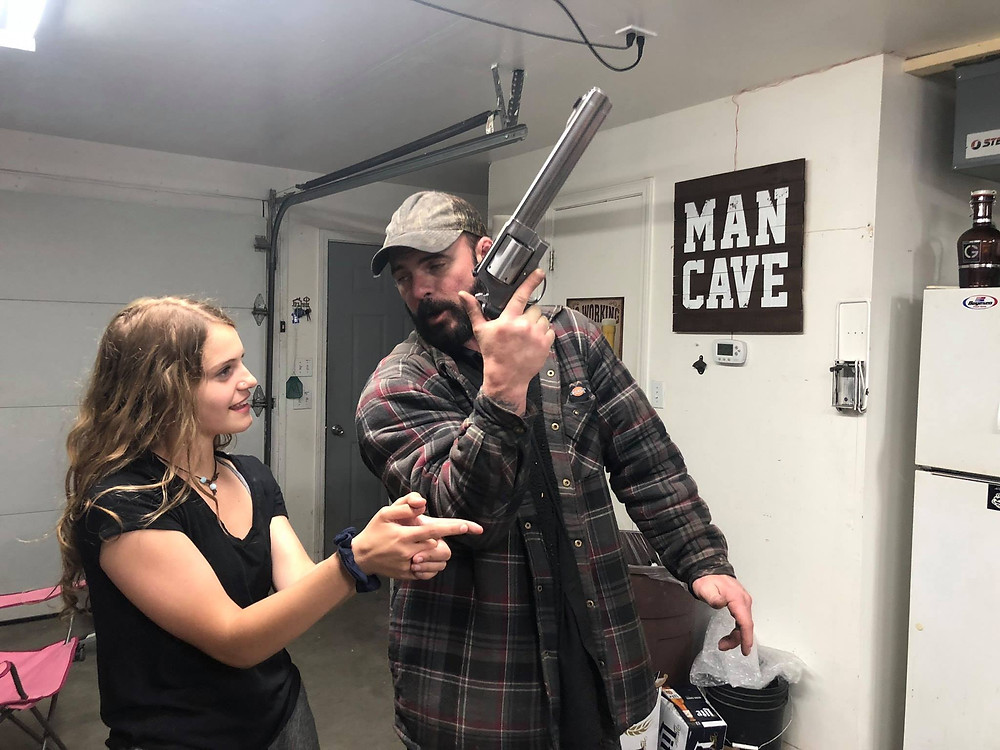 On Tour: A saviour with a 500 Mag and My daughter