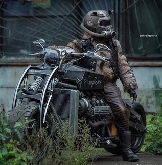 Larp Like U Fucking Mean It-custom motorcycle fantasy-Story Moto ADV Internet Oddest Motorcycles
