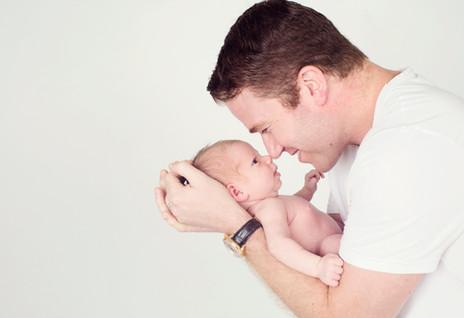 Daddy and newborn baby photo shoot
