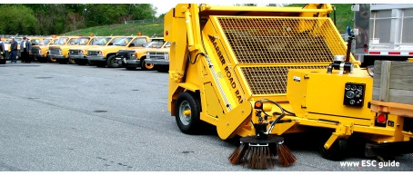 BARBER - ROAD RAKE / Roadway Litter Collection Machine