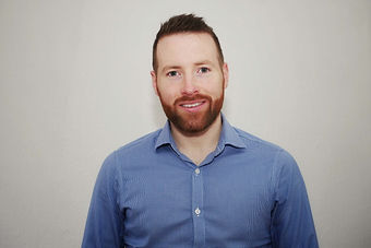 Alistair Shaw CBT Therapist Headshot Blu