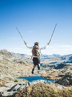 backpacker-hiking-adventure_4460x4460 (2