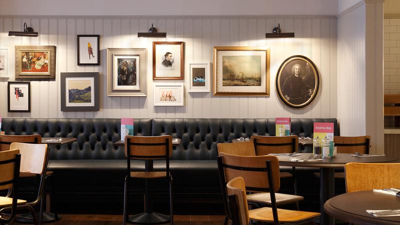 Jurys Inn Cardiff_Central Design Studio_Ian Haigh_10.jpg