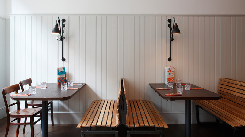 Jurys Inn Cardiff_Central Design Studio_Ian Haigh_06.jpg