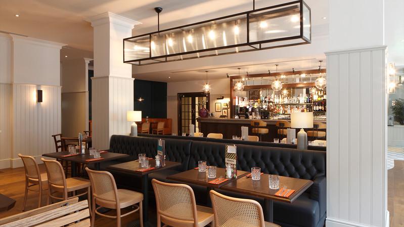 Jurys Inn Cardiff_Central Design Studio_Ian Haigh_01.jpg