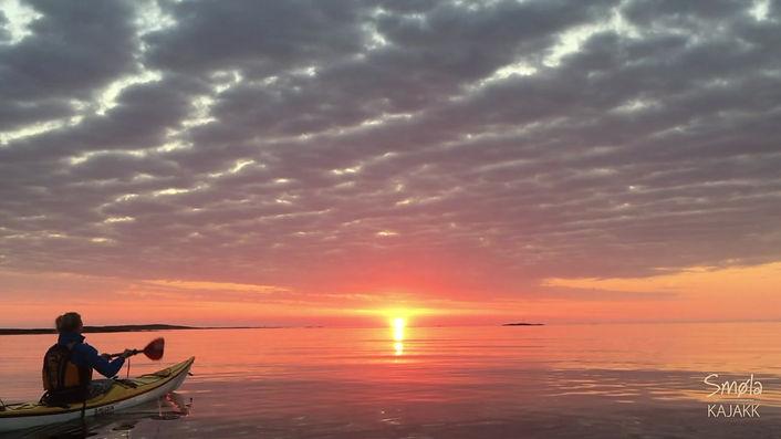 Padle inn i solnedgangen.