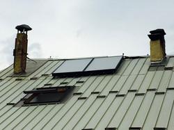Chauffage central + solaire.