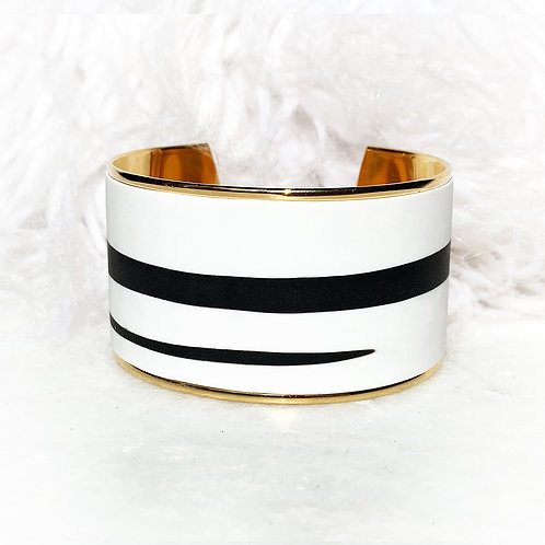 Touch' Black & White