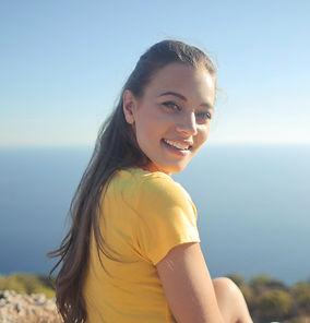 woman-wearing-yellow-shirt-720598_edited
