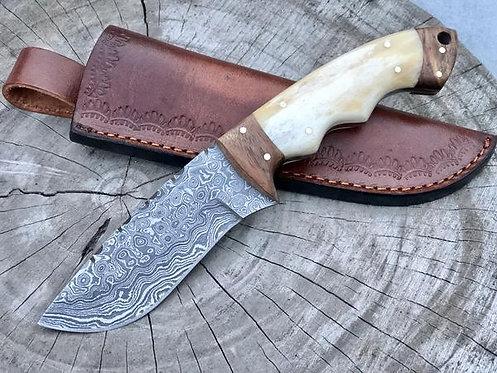 Handmade Damascus Steel Skinning Knife