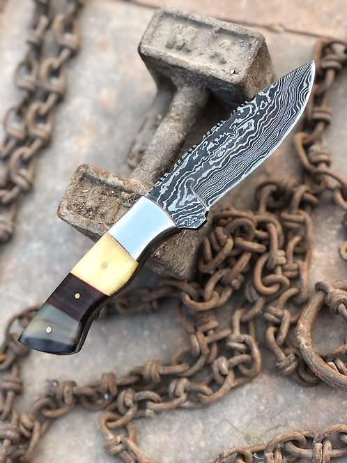 Beautiful Damascus steel Skinning Knife