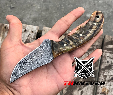 "7"" Damascus steel Hunting Knife"