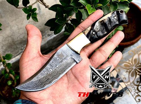Full Tag Damascus Steel Skinning Knife