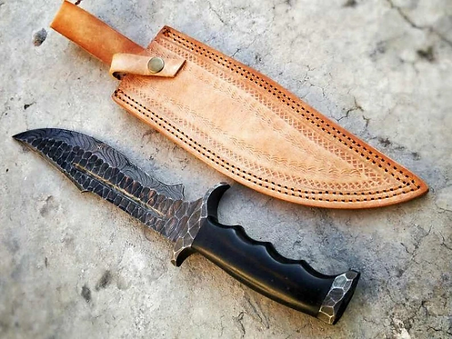 DAMASCUS FORGED BOWIE KNIFE