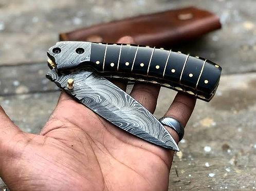 Beautiful Buffalo Horn Damascus Steel Folding Pocket Knife