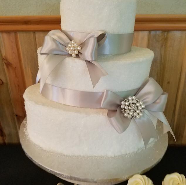 crystalsugar cake .
