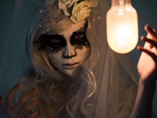 Oslava mrtvých aneb Dušičky/Halloween/El día de los Muertos