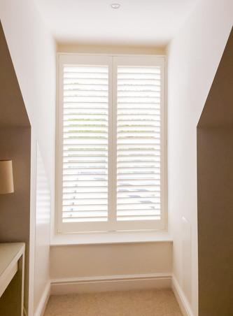 shutters-with-split-louvers-377jpg