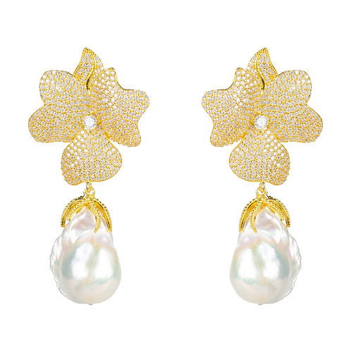 Baroque Pearl White Flower Earring Yellow Gold