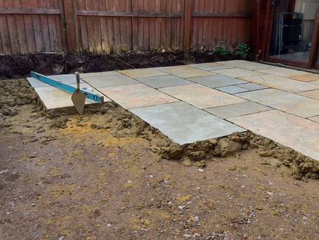 How to choose the best paving slabs for your patio?